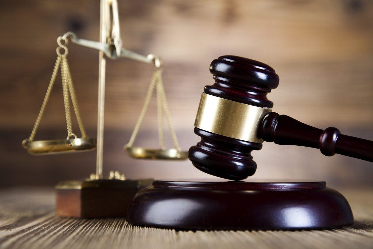 HIA vs. DEA gavel and scales of justice