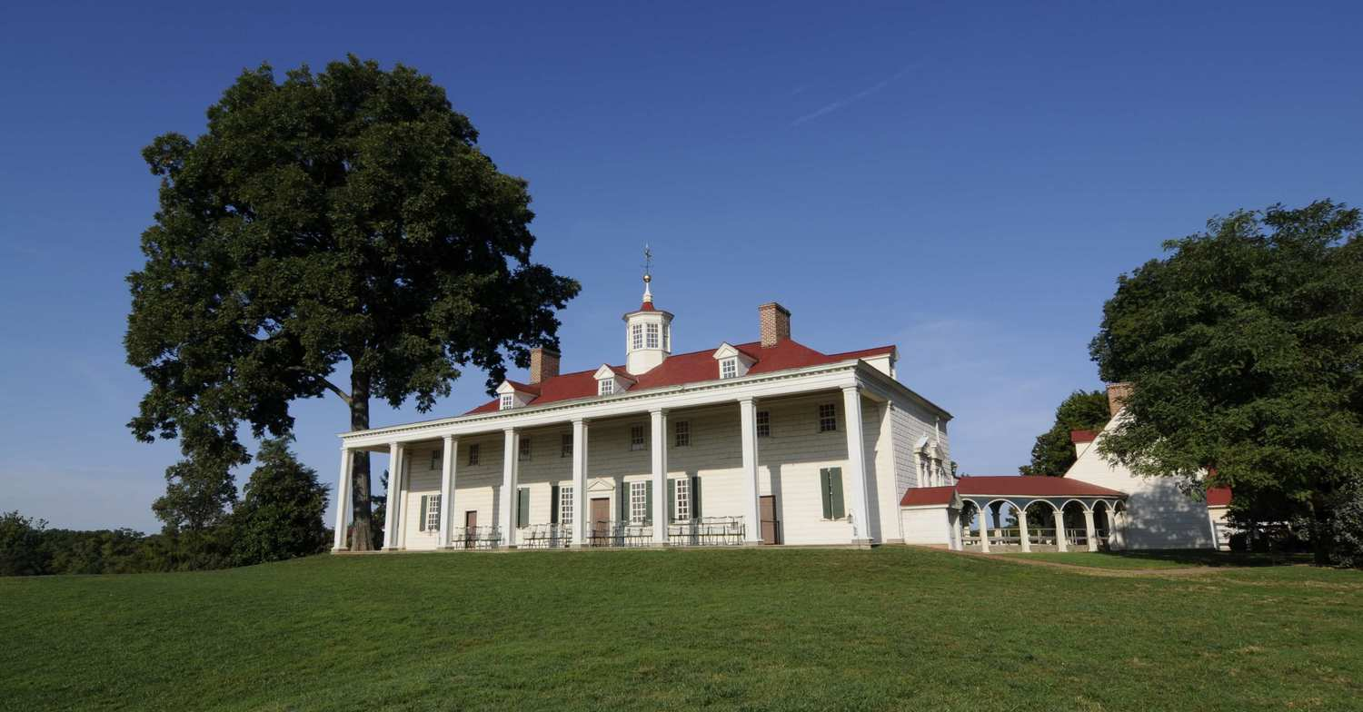 George Washington's historic home sits in the center of a rolling green lawn on his Mount Vernon estate. George Washington's hemp farm is growing again thanks to horticulturists at his Mount Vernon estate and the University of Virginia.